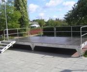 Bühne mit Geländer 6 x 3 Meter